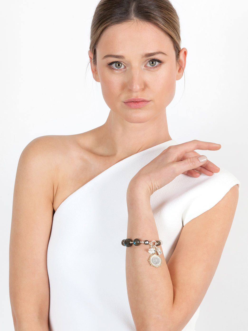 Fiorina Jewellery Carla Bracelet Moonstone Model