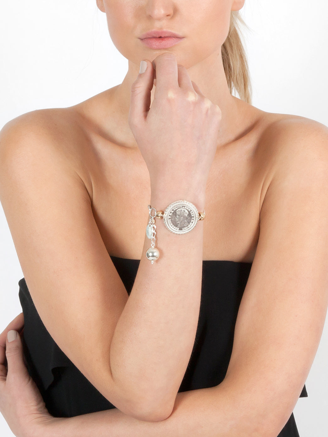 Fiorina Jewellery Falcon Bracelet Model