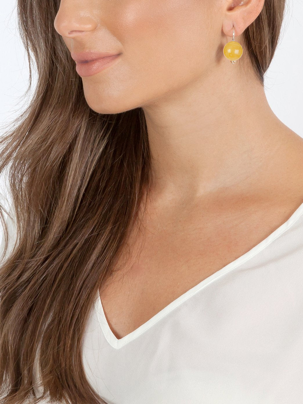 Fiorina Jewellery Ball Earrings Amber Model