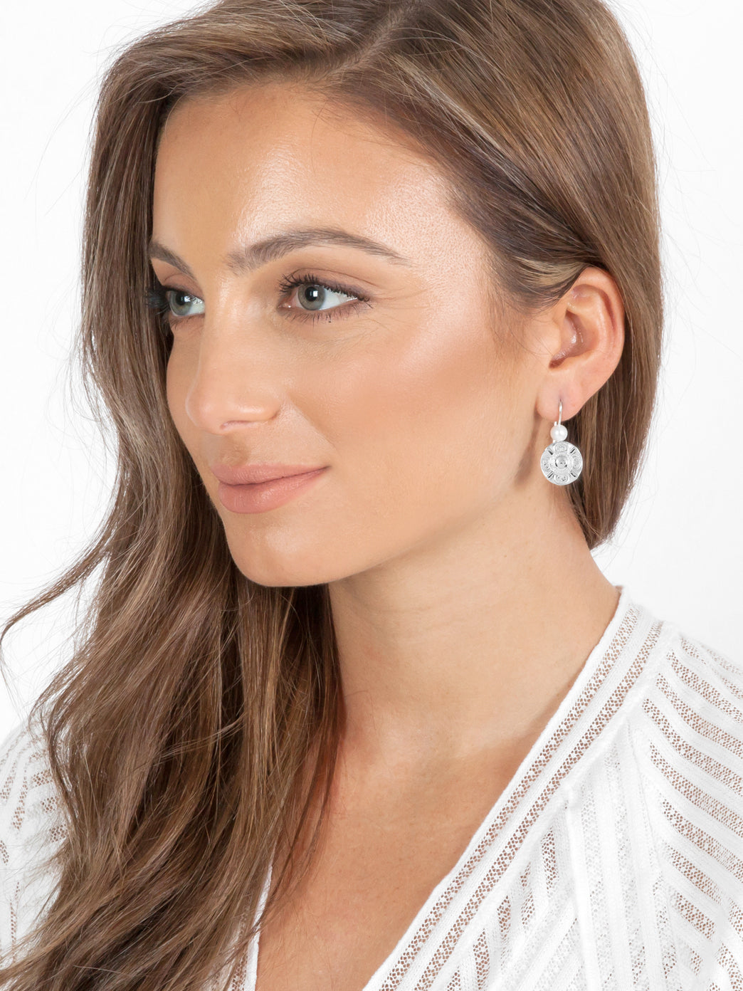 Fiorina Jewellery Simple Vic Disc Earrings Gold Highlights Model