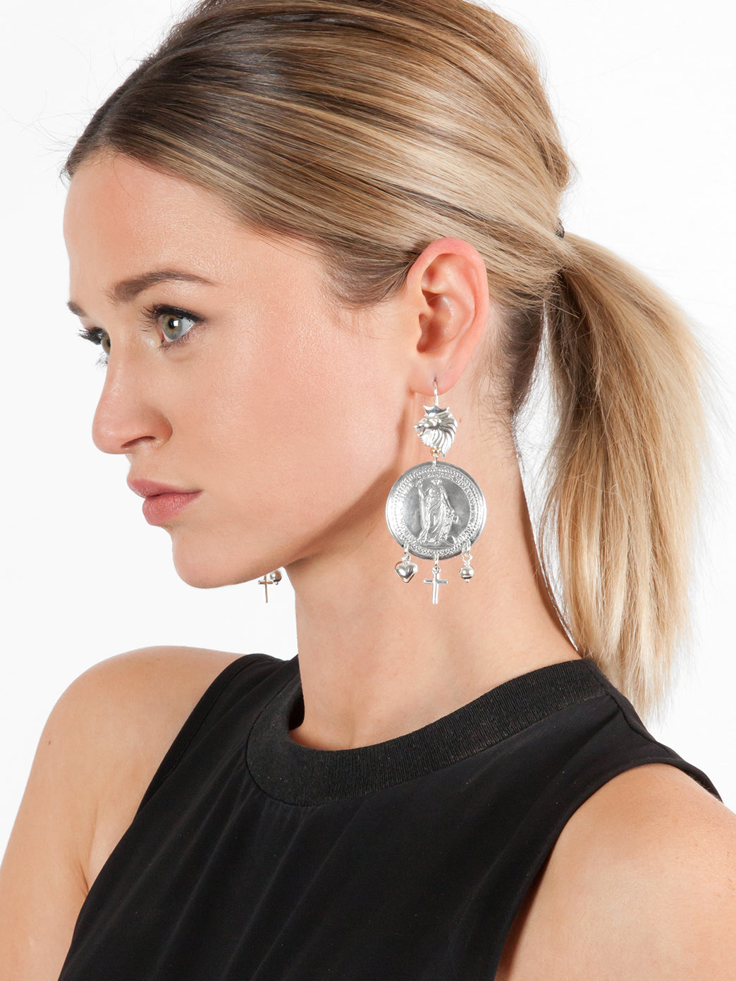 Fiorina Jewellery Leone Earrings Model