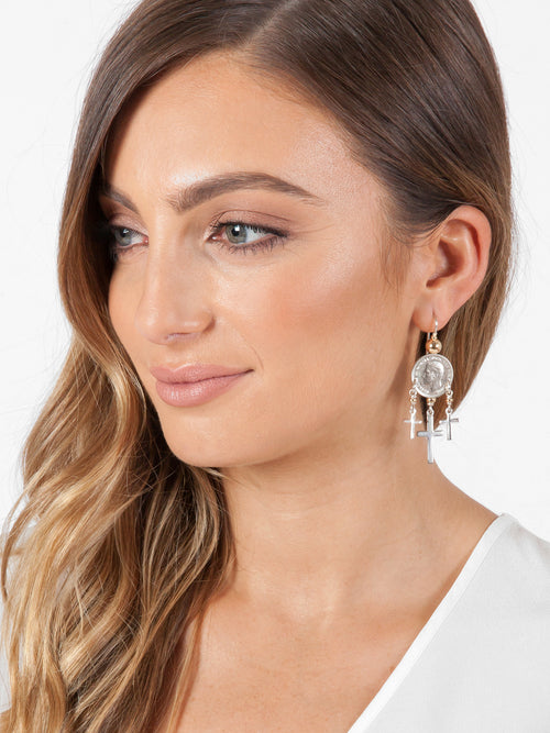 Fiorina Jewellery Mini Trinity Earrings Model