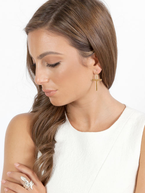 Fiorina Jewellery Gold Ally Earrings Model