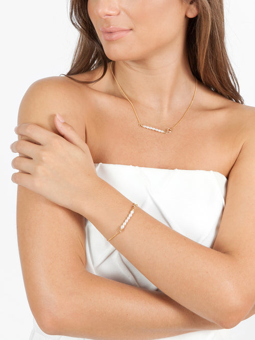 Fiorina Jewellery Gold Friendship Bracelet White Pearl Model