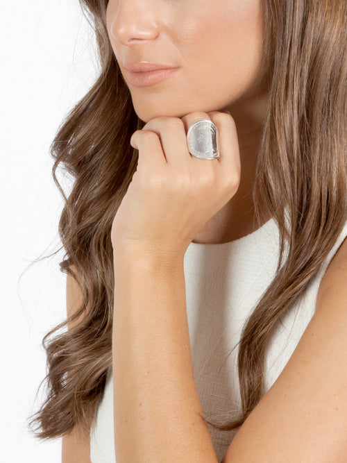 Fiorina Jewellery Bent Coin Ring Model