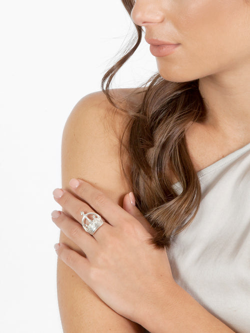 Fiorina Jewellery Crown Ring Model