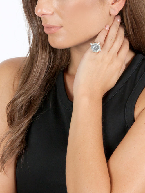 Fiorina Jewellery Pinkie Ring Model