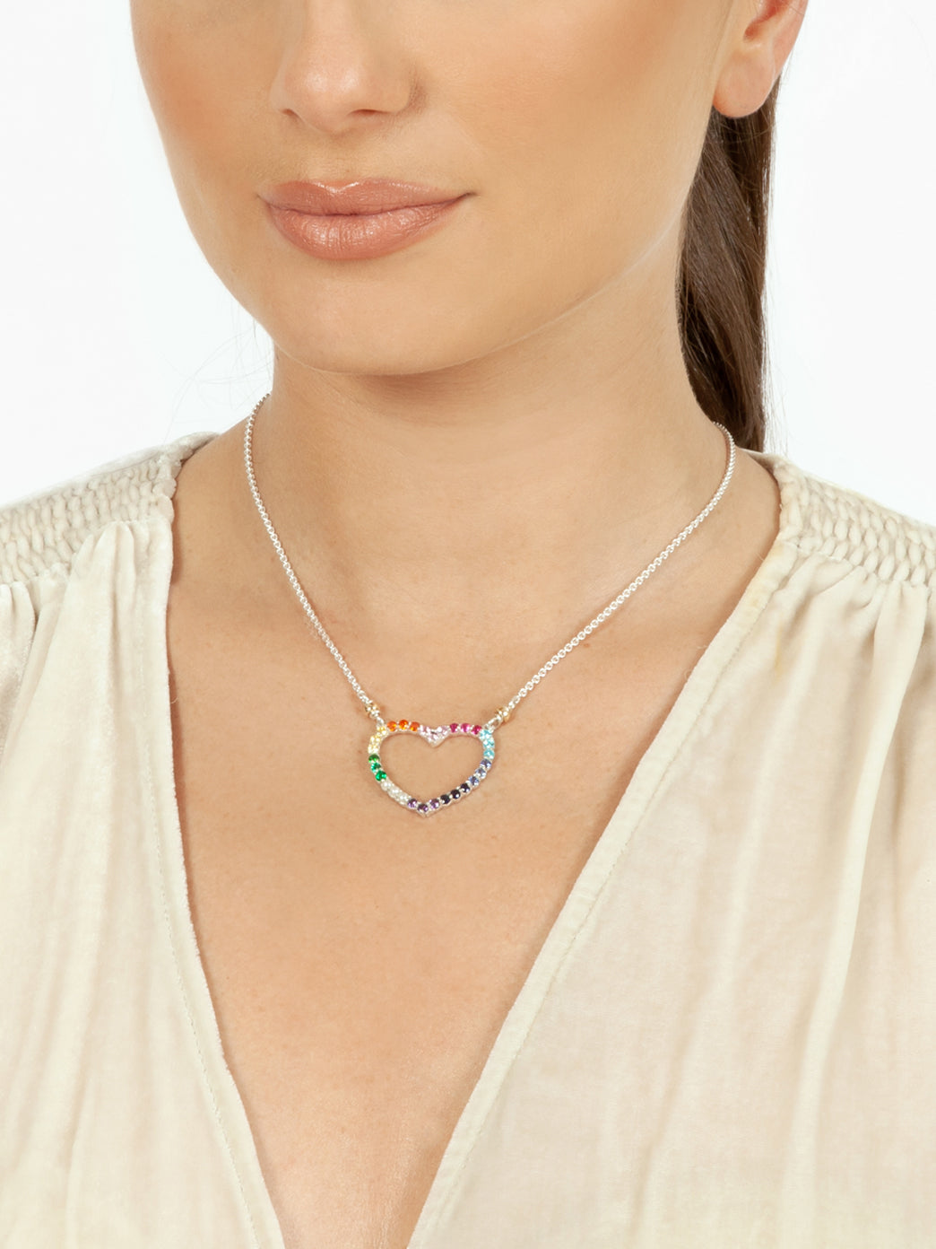 Fiorina Jewellery Heart Love Necklace Chakra Model