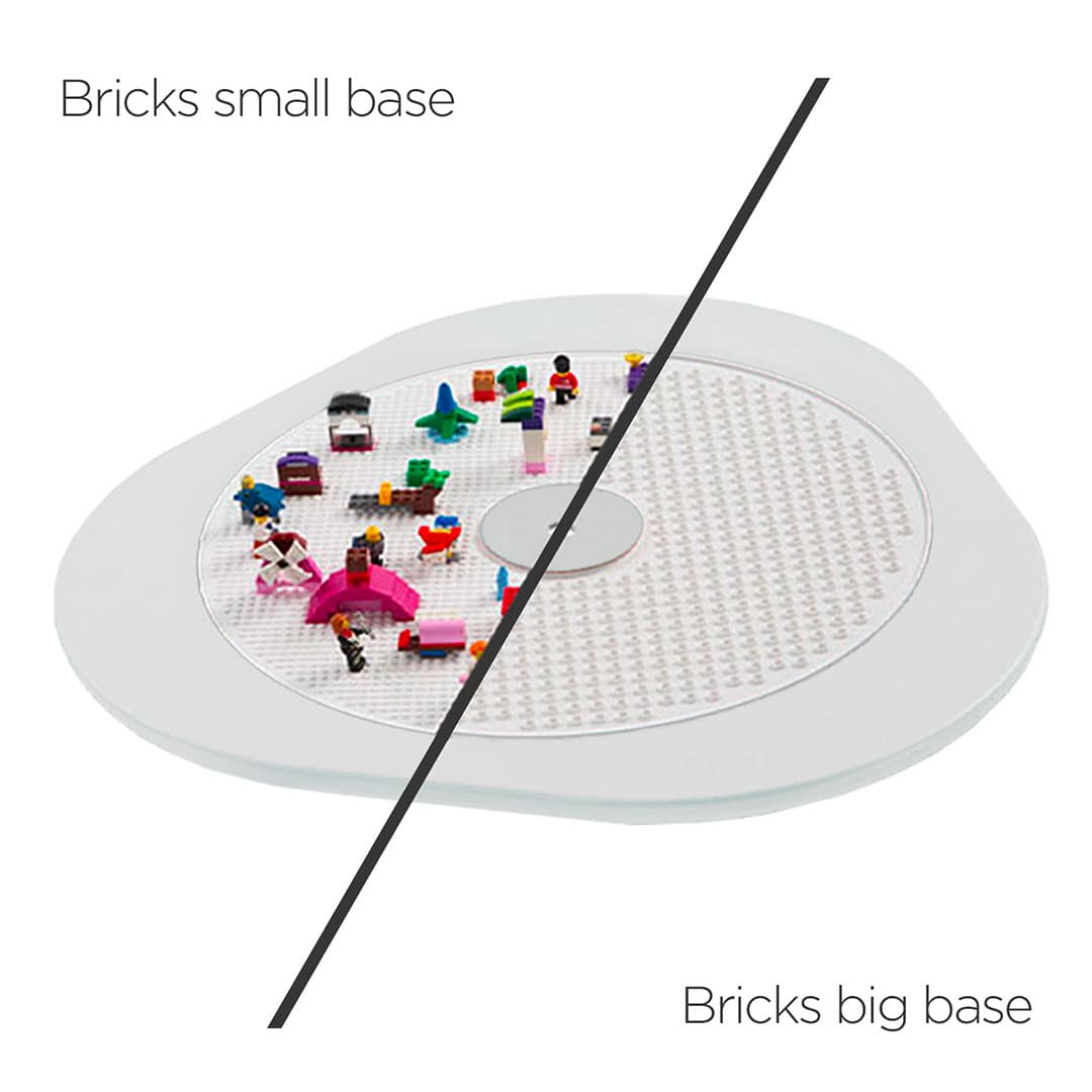 Lego compatible play board included