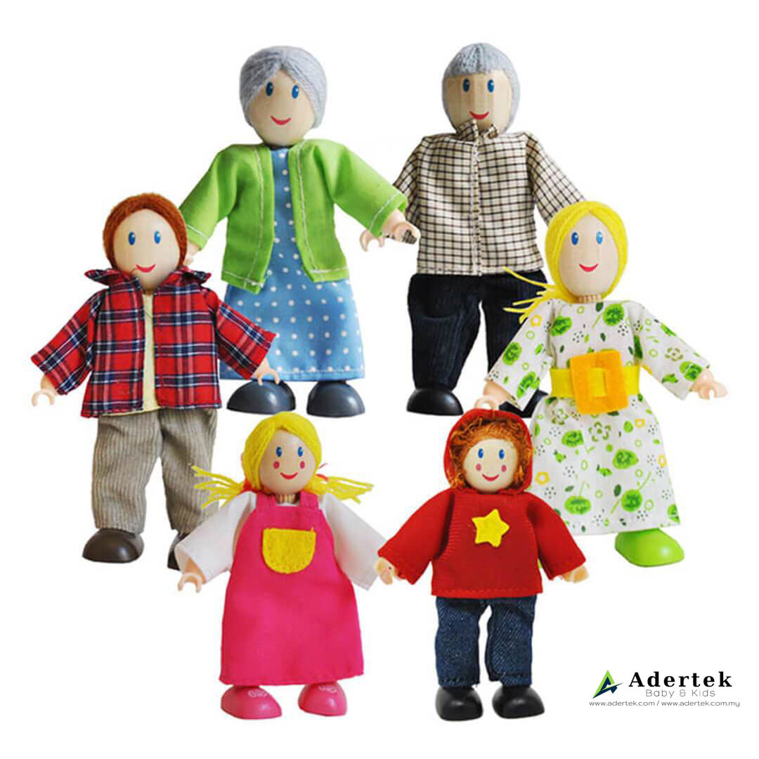 Caucasian Happy Family Doll Set for Dolls Wooden Playhouse