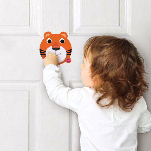 VertiPlay™ Door Knocker - Roarry is suitable for most doors