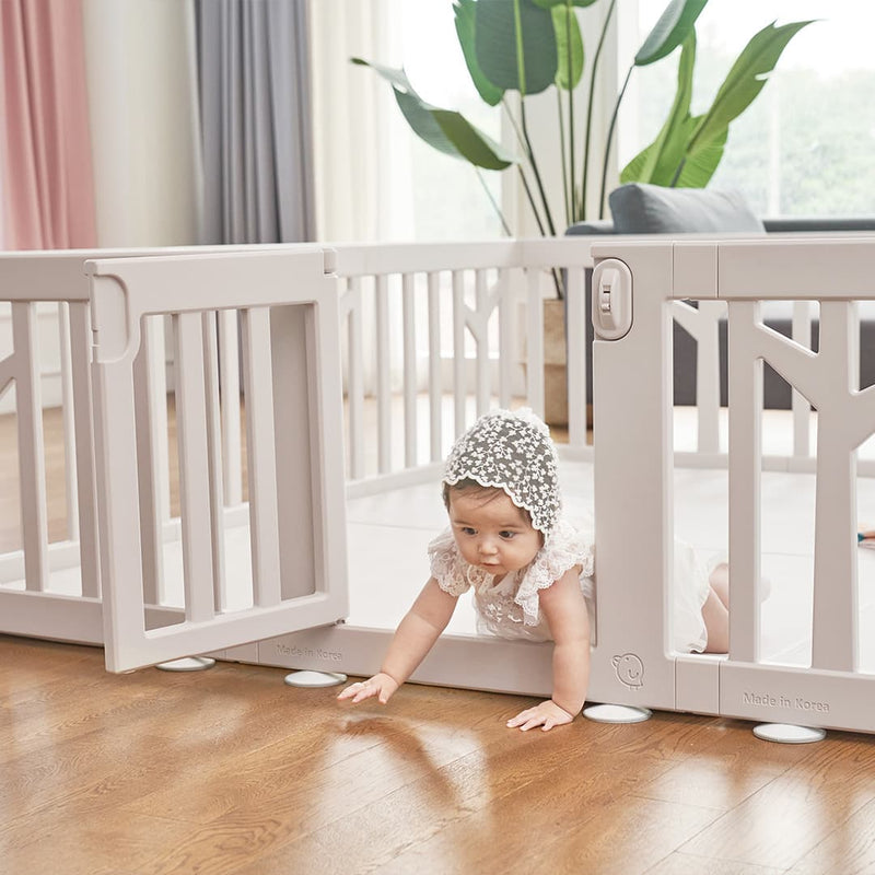 Birch Baby Play Yard Comes with door for easy assesibility