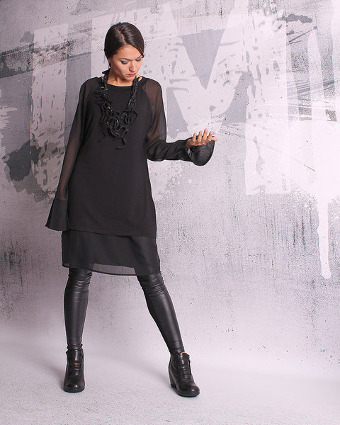 Black tunic, blouse with long sleeves, black tunic, black top, loose top, long tunic, tunic dress - UM-052-VLCH