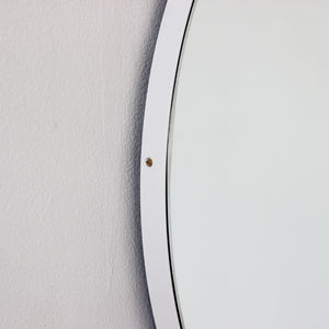 Silver Orbis round mirror™ with WHITE frame