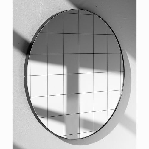 Silver Orbis round mirror™ with BLACK frame & BLACK grid