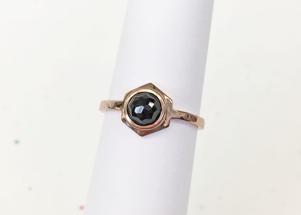 CLIO - Rose Gold // Black Spinel