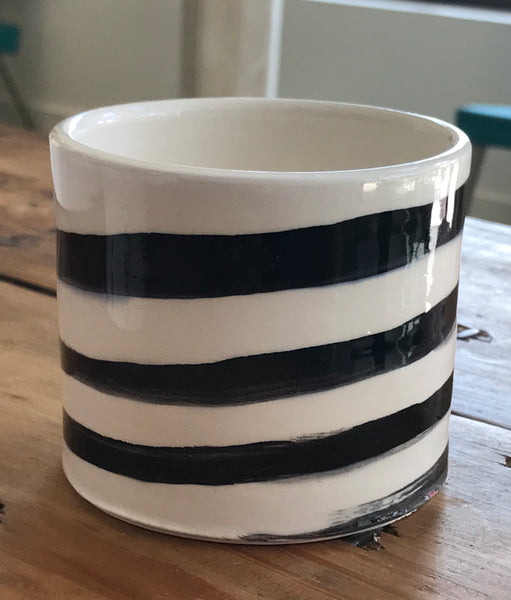 (JN) Black Striped Planter