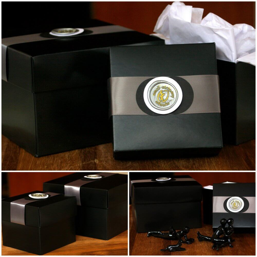 Original gift boxes for sculpture - Small Company Artworks