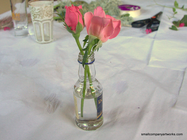 Mini flower arrangement with roses