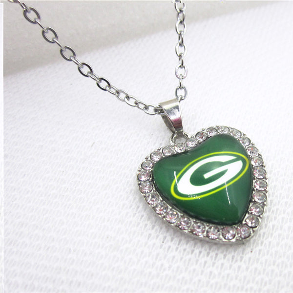 10pcs/lot Charm Green Bay Packers Heart Necklace Pendant Jewelry With Chains Necklace DIY Jewelry Football Sports Charms