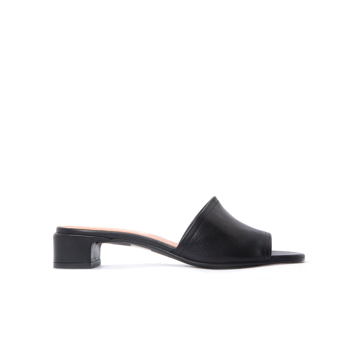 Ottavia Black Leather