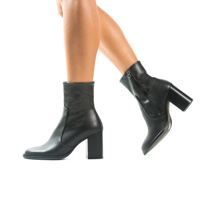 Charlston Black Leather Boots