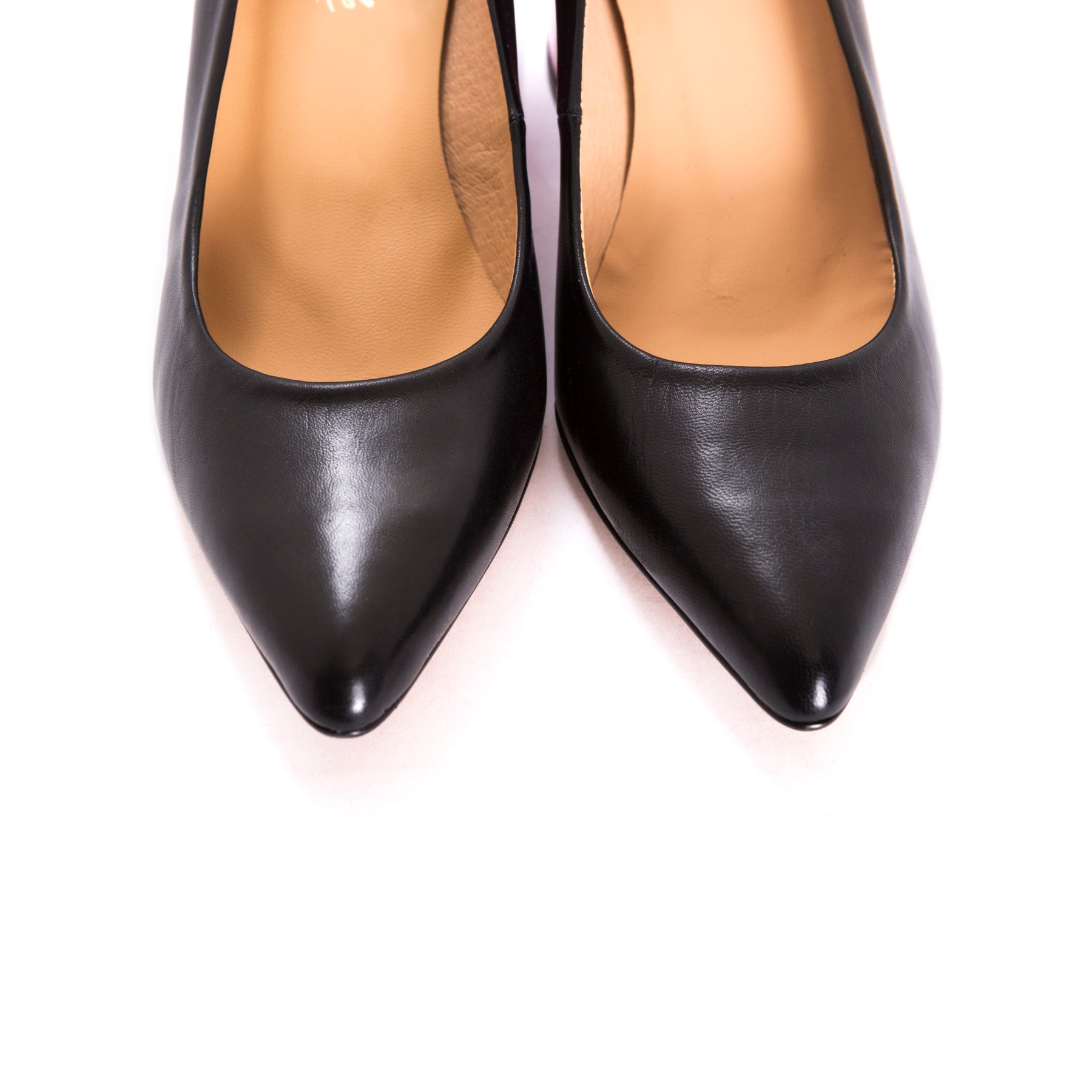 Jersey Black Leather Pumps