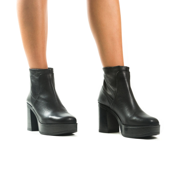 Lynwood Black Leather Platforms