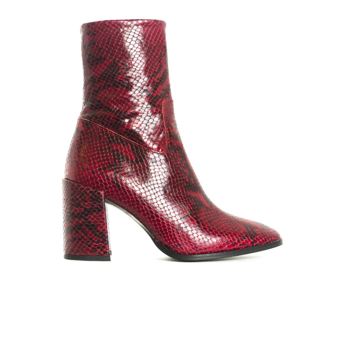 Malaga Red Snake Leather