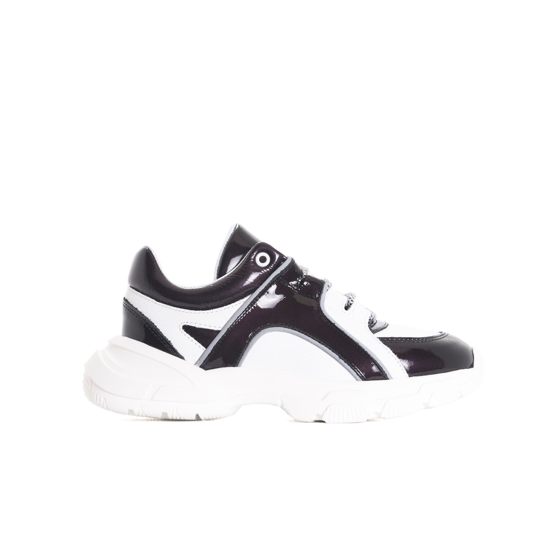 Slick Black&White Leather Sneakers