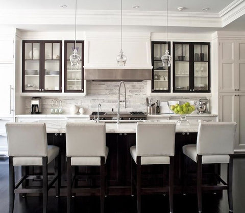 think of a transitional kitchen as the great moderator with the warmth and welcome of traditional design and the clean simple lines of contemporary style - Kitchen Styles