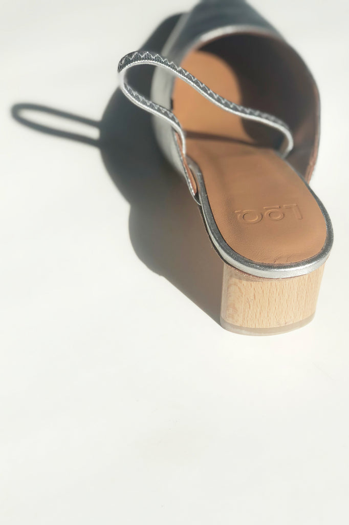 LOQ - Pia Slingback in Plata in Sizes 35-37