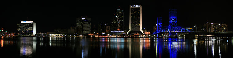 JACKSONVILLE, FL AT NIGHT