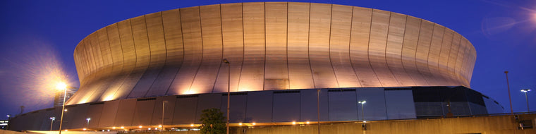 NEW ORLEANS SUPERDOME AT NIGHT