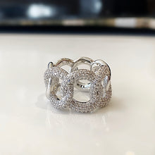 CARTINA Links Ring with Crystal Details in Gold or Silver