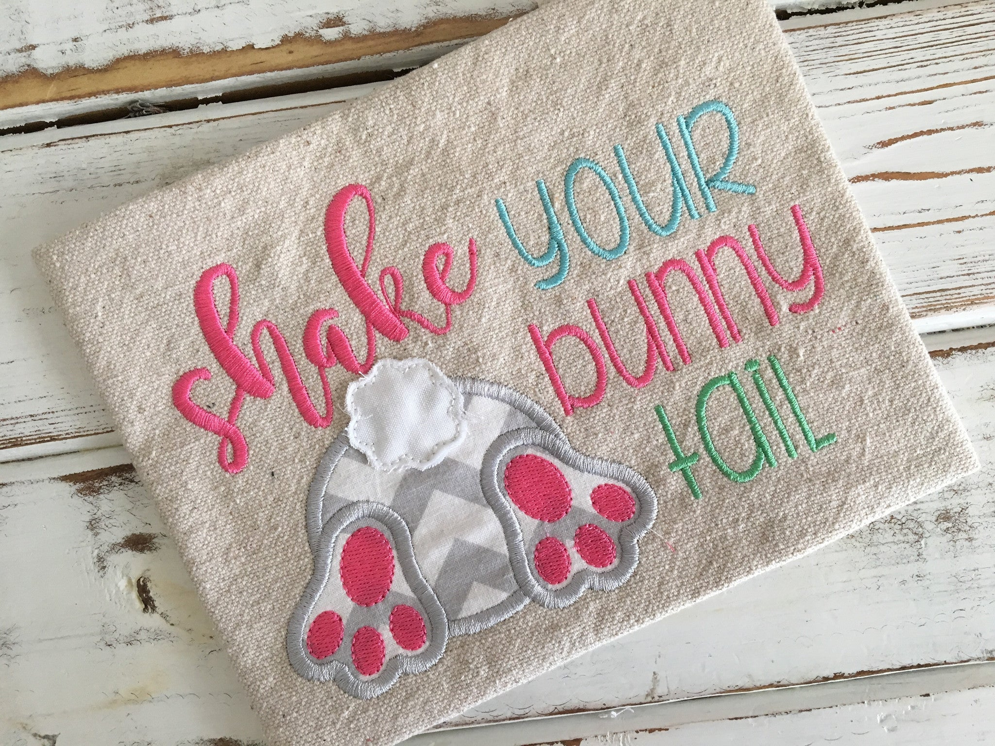 Shake Your Bunny Tail Applique Design - Hug A Bug Applique Designs