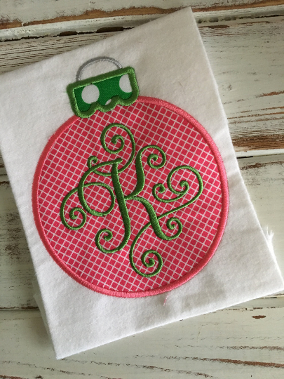 Round Ornament Applique Design - Hug A Bug Applique Designs