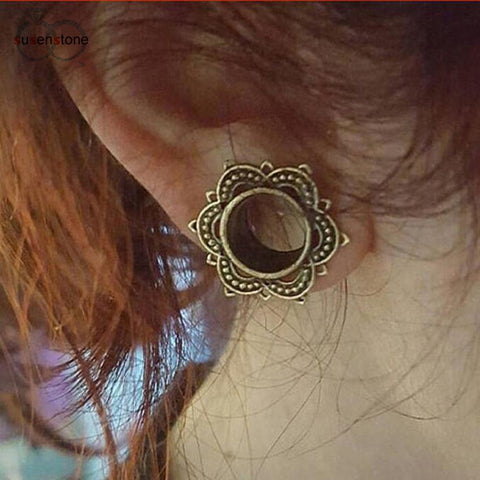 Fancy stud Earing Stretch
