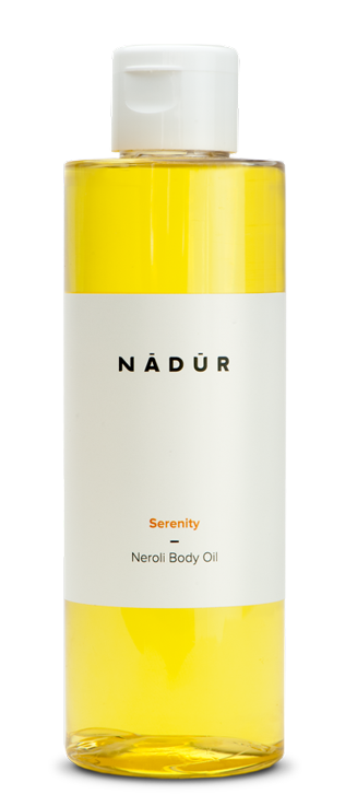 Natural, vegan neroli body oil reduces the appearance of stretch marks