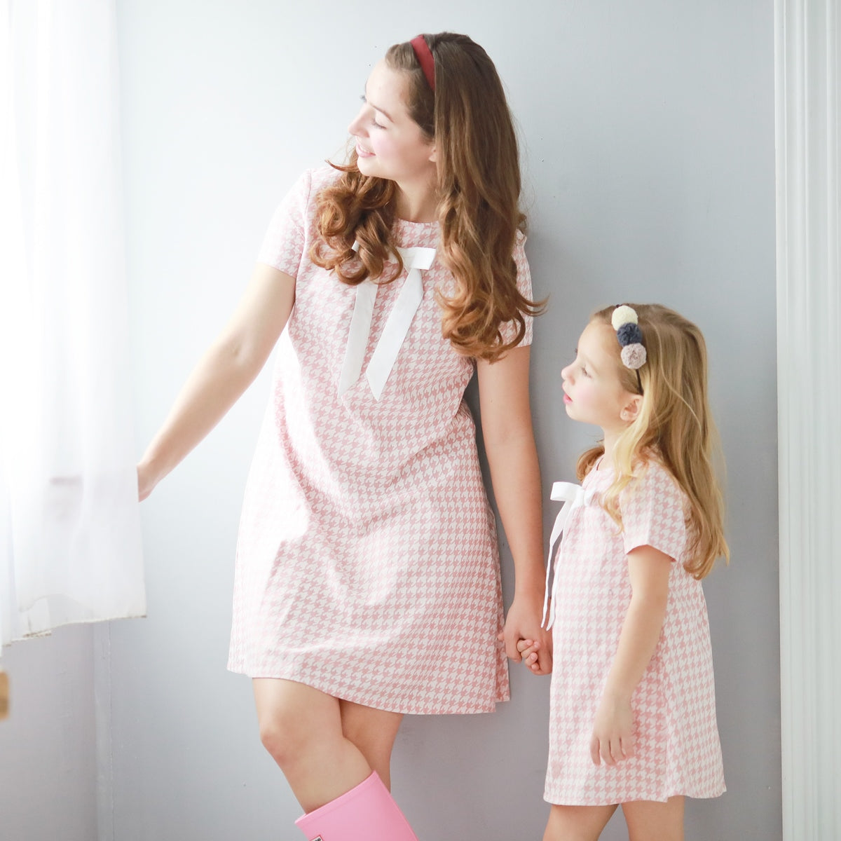 Houndstooth with cute bow dress  (pink) - Bunny n Bloom Mommy & Me Dress