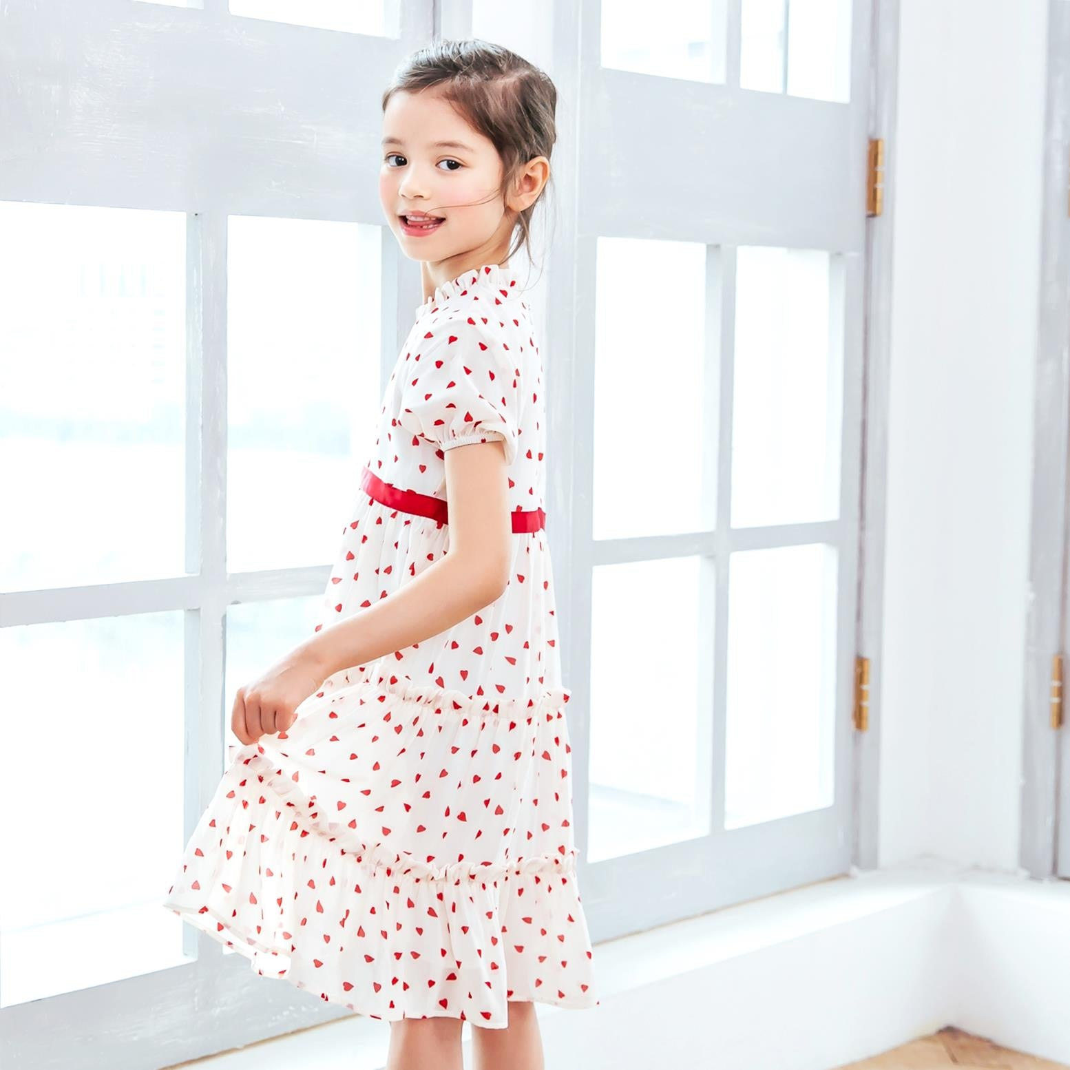 (Girl) Ruffled heart-shaped polka dot dress