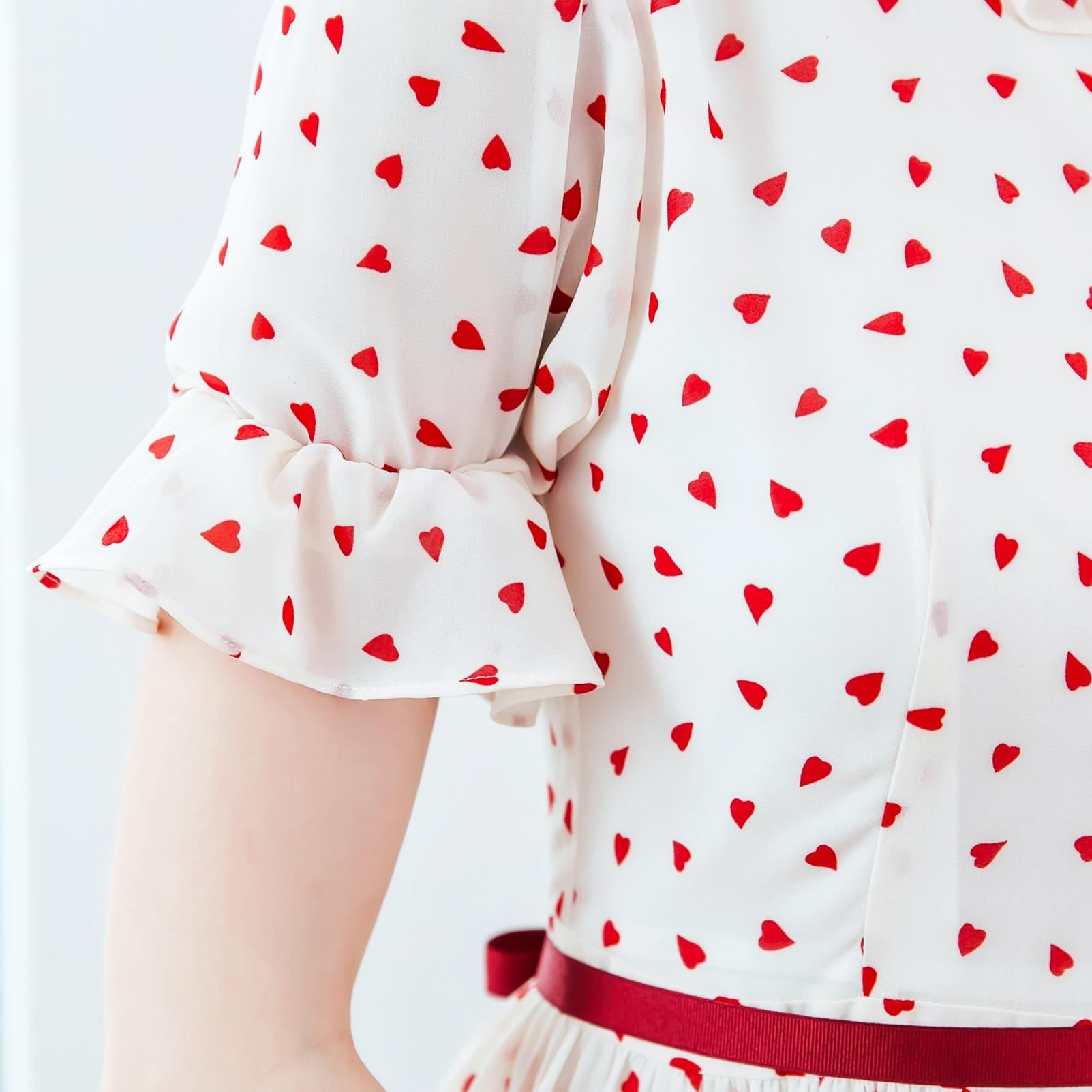 (Woman) Ruffled heart-shaped polka dot dress