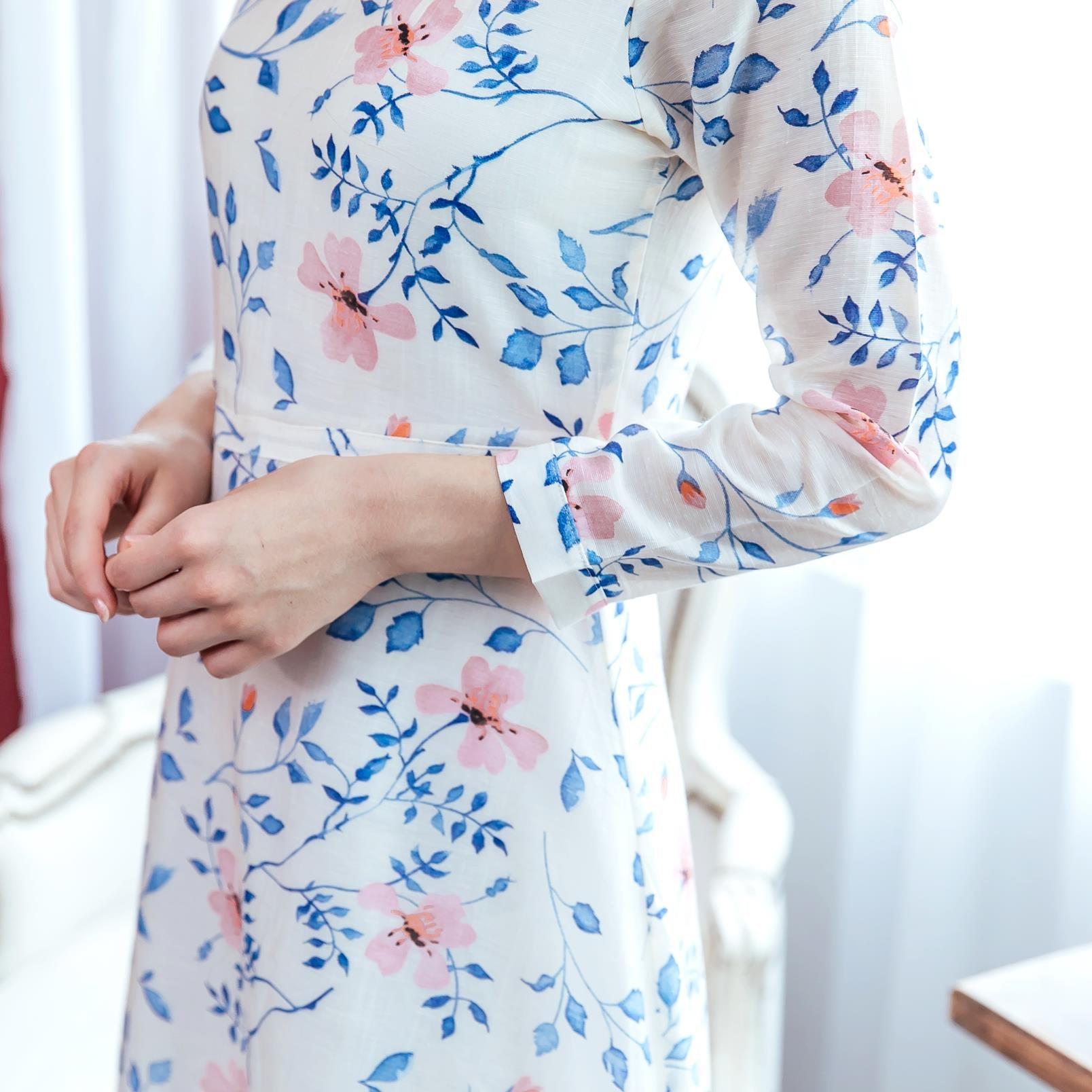Woman floral Scoopneck midi dress