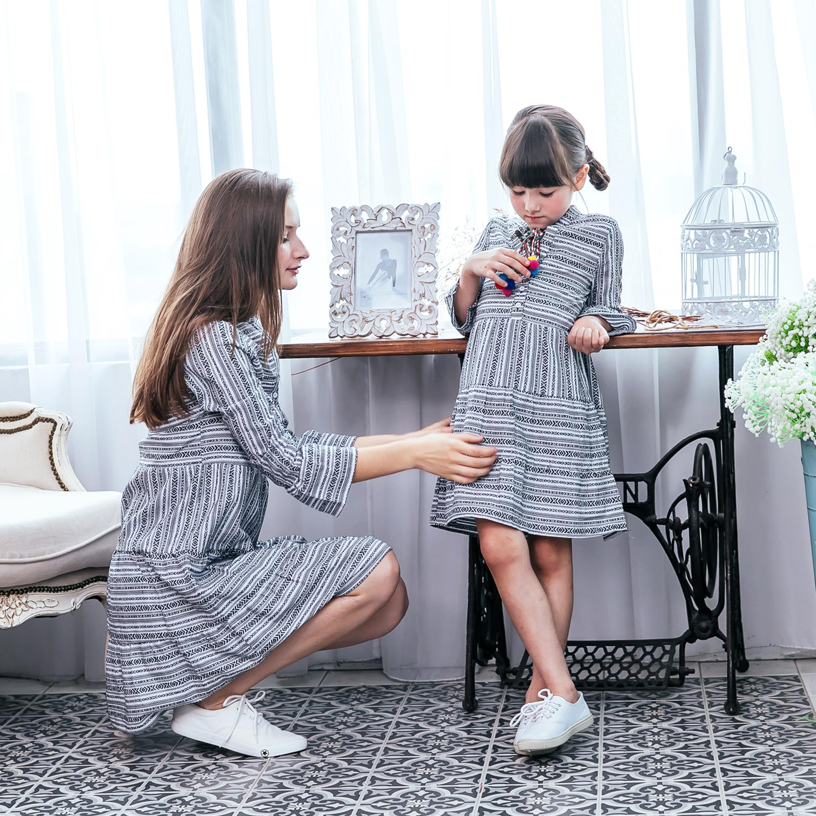 (Mommy & Me) White and black striped dress (set of 2)
