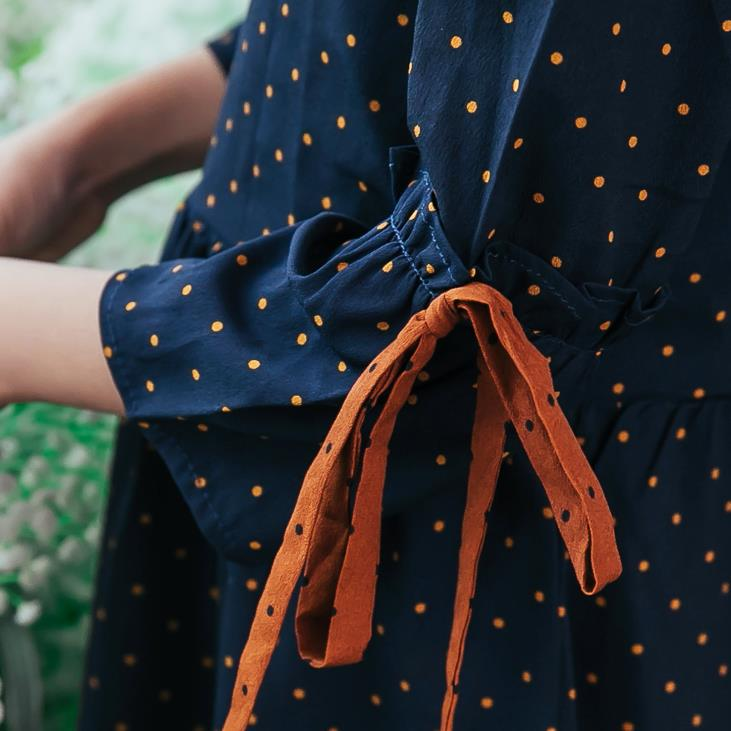 Girl blue polka-dot color contrast dress