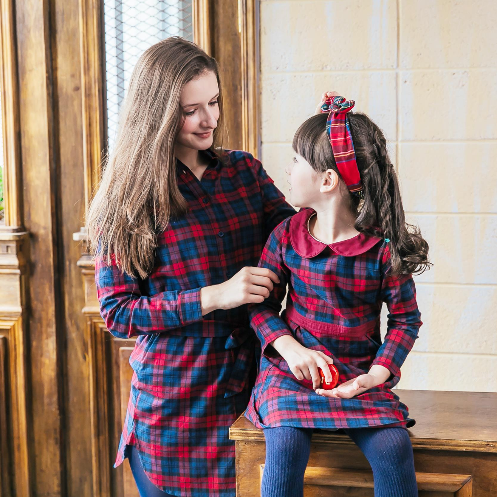 (Mommy & Me) Navy/Red plaid dress (set of 2)