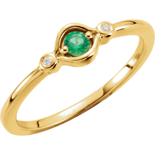 14kt Yellow Gold Emerald Stackable Ring Mothers Birthstone Ring
