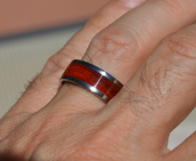 Pure Tungsten and Titanium Wood Ring Exotic Red Heart Wood 8mm Mens Ladies Band Size 4 5 6 7 8 9 10 11 12 13 14 15 16 17 18 19 20 Half Sizes