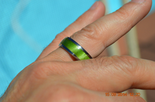 Pure Tungsten and Titanium Wood Ring Green Exotic Wood 8mm Mens - Ladies Bands Size 4 5 6 7 8 9 10 11 12 13 14 15 16 17 18 19 20 Half Sizes