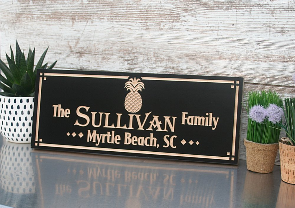Personalized Cabin Signs, Rustic Pineapple Motif